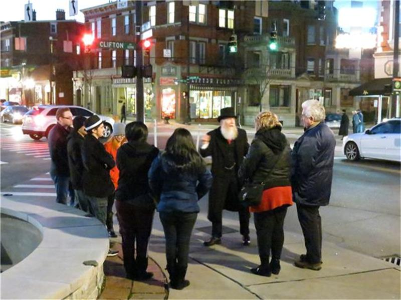 Spinning tales on the Cincinnati Ghost Tour