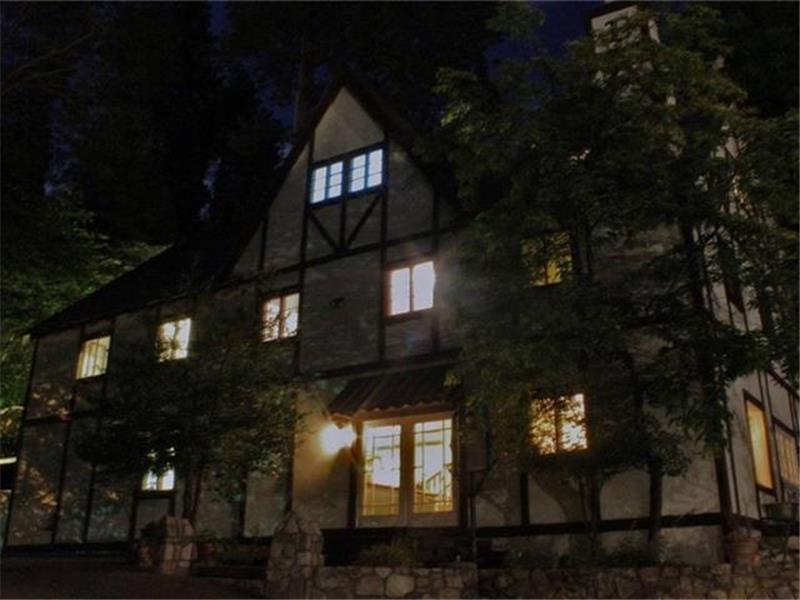 Bracken Fern Manor Overnight Ghost Hunt